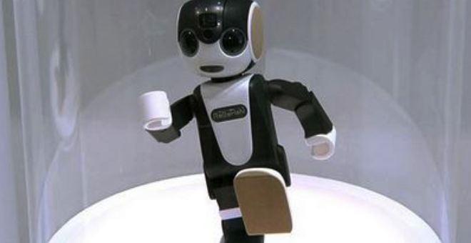بالفيديو.. هاتف على شكل رجل آلي قادر على المشي