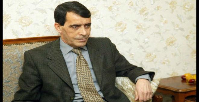 لماذا اعتقلت السلطات الجزائرية الجنرال المتقاعد بن حديد؟