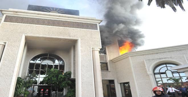 حريق ''الضحى''..لا خسائر بشرية والإدارة تتحدث عن تماس كهربائي