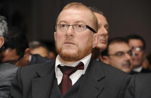 بوليف يعفي عددا من المسؤولين بسبب فضيحة رخص سياقة جديدة