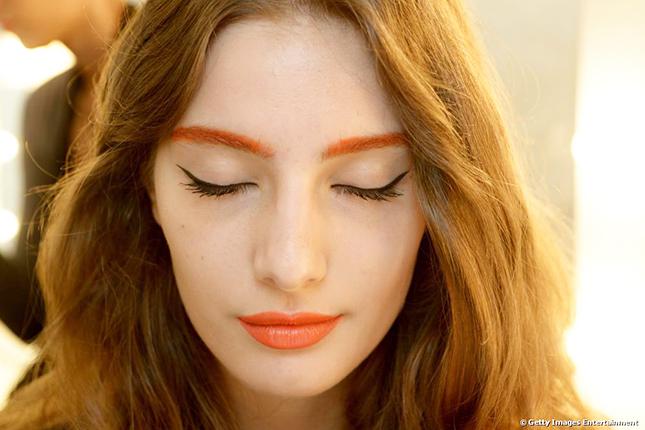 orange-lip-and-eye