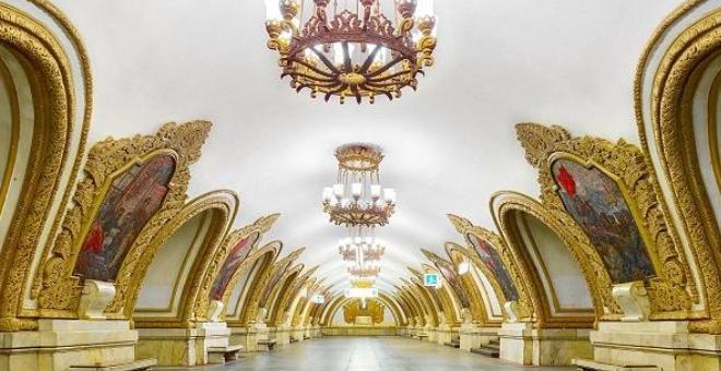 محطات القطار في روسيا.. تحف معمارية تحت الأرض