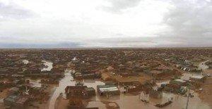 هكذا بدت مخيمات ندوف غارقة وسط الفيضانات