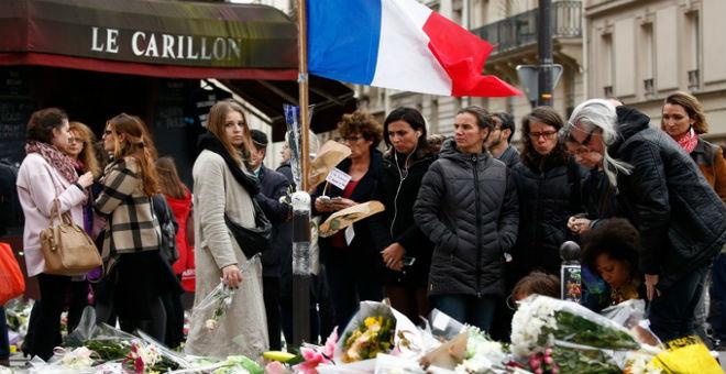 فرنسا تتذكر ضحايا هجمات باريس