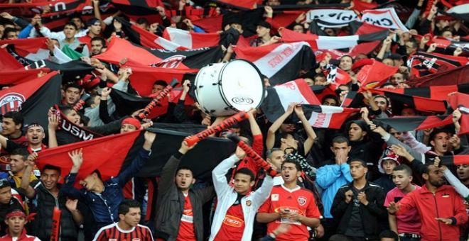 أنصار إتحاد العاصمة يهاجمون المدرب وإدارة النادي