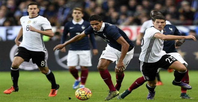 إنجلترا تفوز على فرنسا والسويد تتأهل لليورو
