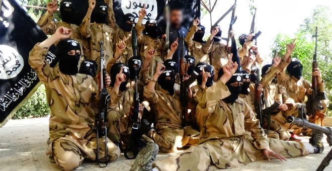 داعش يعلن تخرج أول دفعة لـ