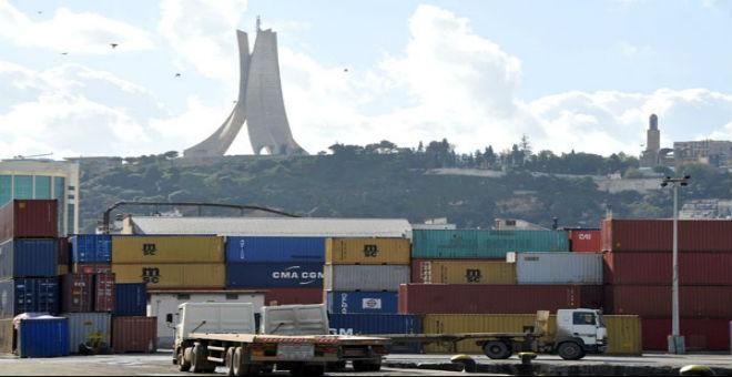 انهيار أسعار النفط يضع الاقتصاد الجزائري على كف عفريت