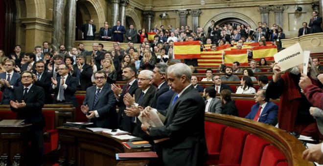برلمان كتالونيا يعلن بدء الاستقلال عن اسبانيا