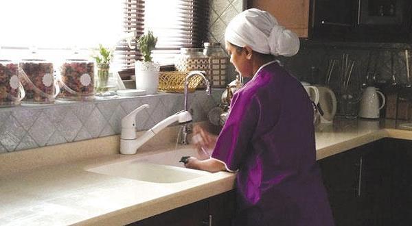 المغرب يلغي عقود الخادمات بالسعودية.. وهذه هي الأسباب