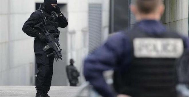 مقتل 3 عناصر على صلة بهجمات باريس في عمليات للشرطة الفرنسية
