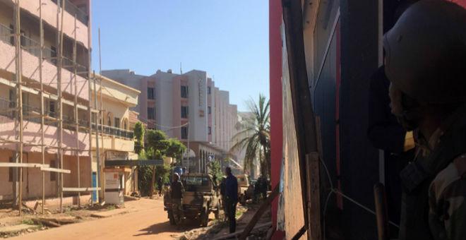 مغاربة ضمن رهائن فندق