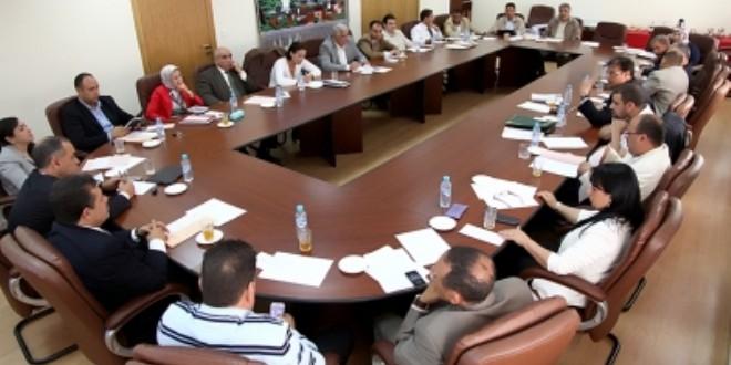 حميد شباط في اجتماع سابق مع أعضاء اللجنة التنفيذية لحزب الاستقلال