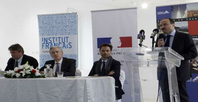 هجمات باريس تدفع مؤسسات البعثة الفرنسية في تونس للإغلاق