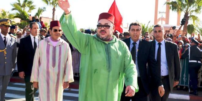 الملك-محمد-السادس-في-العيون-