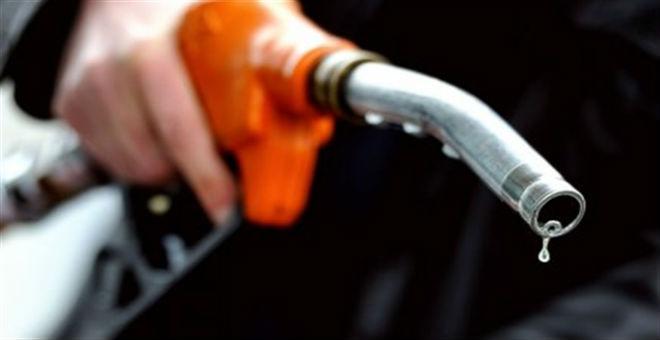 البرلمان الجزائري يقر الزيادات في أسعار الوقود