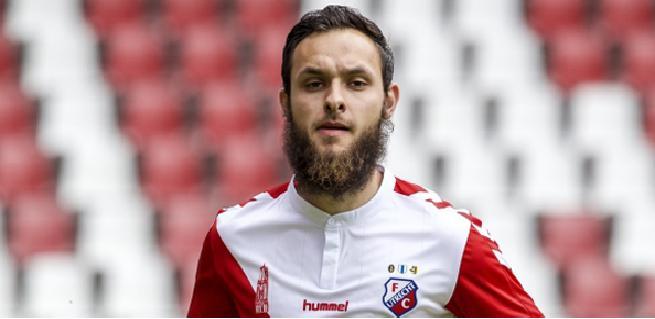 لاعب المنتخب سابقا يخلق ضجة في هولندا
