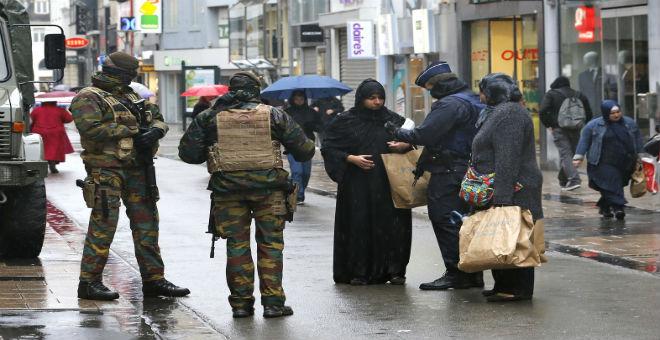 السلطات البلجيكية تمدد حالة الطوارئ في بروكسل
