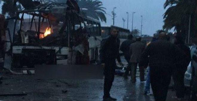 تونس..11 قتيلا في انفجار حافلة الأمن الرئاسي