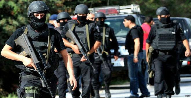 تونس..تفكيك خلية تدعم المجموعات الإرهابية في