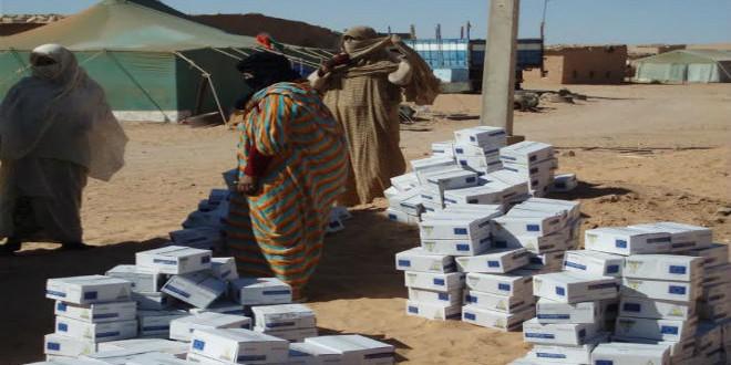 جانب من المساعدات الإنسانية لسكان مخيمات تندوف