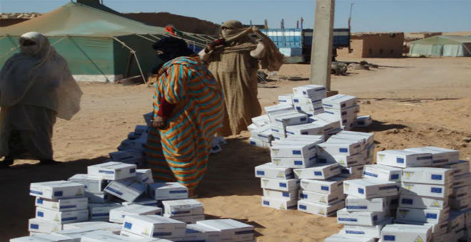 مصير المساعدات الإنسانية للصحراويين بتندوف يثير تساؤل الصحافة الإسبانية