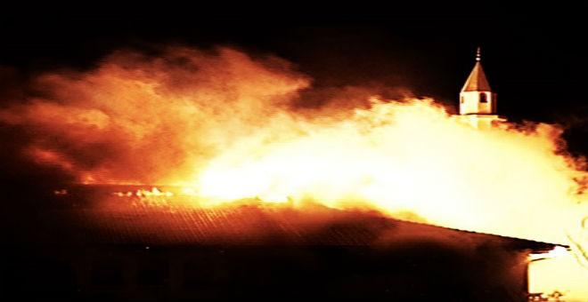 حريق متعمد في مسجد في كندا ردا على هجمات باريس