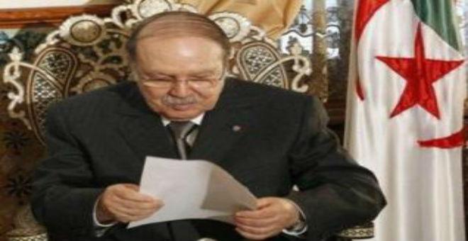 بوتفليقة: مقاطعة المعارضة التصويت على الدستور تعكس