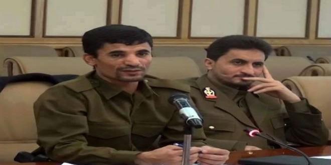 القيادي بجمعة الحوثيين طه المداني (يمين) تعرض لإصابة في مواجهات بدمت