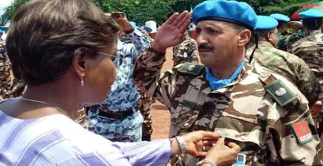 توشيح عناصر القبعات الزرق المغاربة بكوت ديفوار بميدالية الأمم المتحدة للسلام