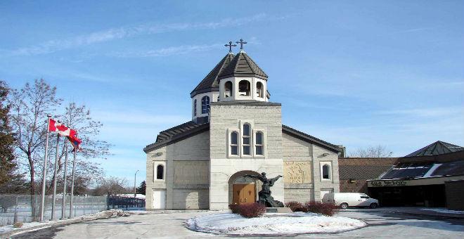 كنائس تفتح أبوابها لصلاة المسلمين في كندا