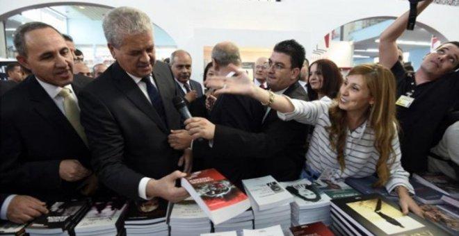 حزب سياسي معارض ينتقد حجم مشاركة المغرب في معرض الكتاب بالجزائر