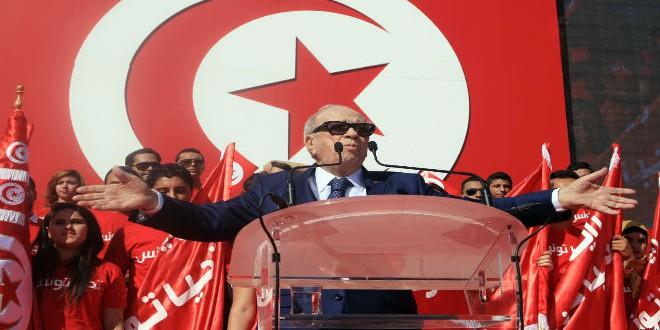 """الأزمة داخل """"نداء تونس"""" فرضت تدخل رئيس الجمهورية، الباجي قايد السبسي، الرئيس السابق للحزب"""