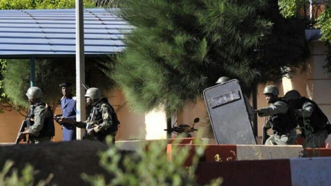 عاجل: أحد الرهائن المغاربة بفندق ''راديسون'' في أمان