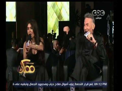 مذيع يحرج الراقصة دينا على الهواء