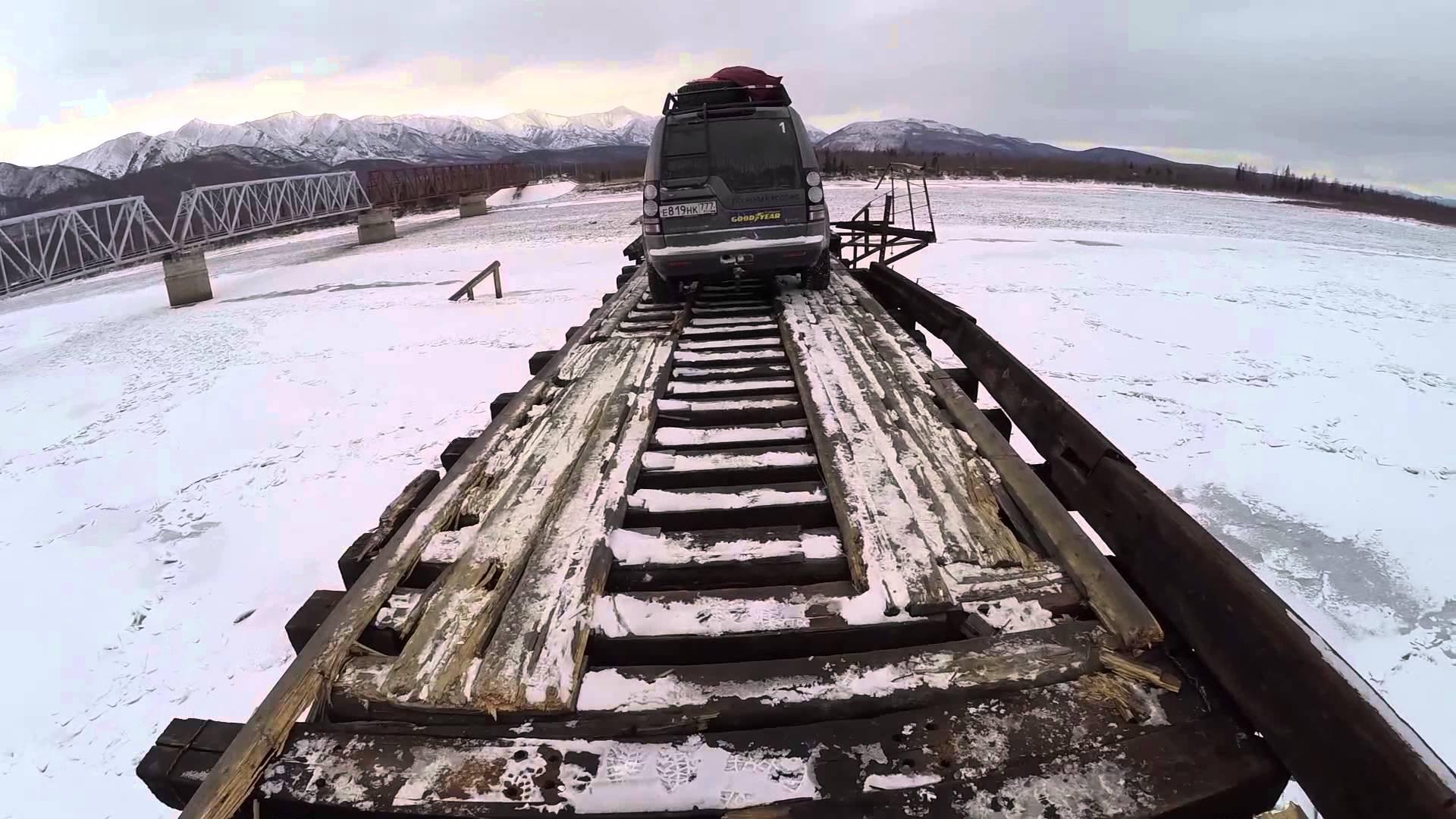 بالفيديو .. شاهد أخطر جسر للسيارات بالعالم