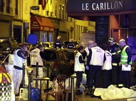 وفاة مغربي وإصابة آخر في هجمات باريس