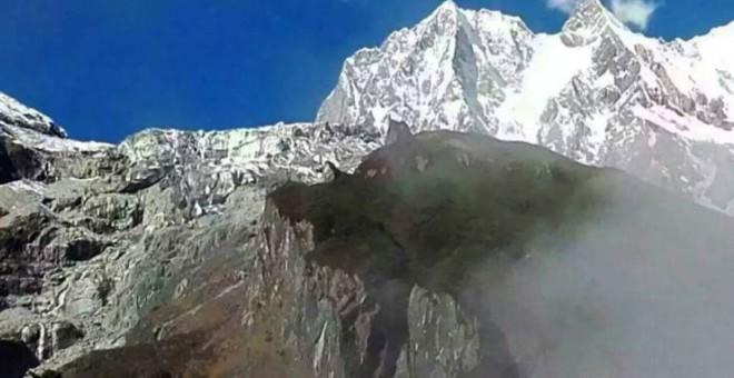 بالصورة.. جبل يتحول إلى ذئب ويفترس رجلاً