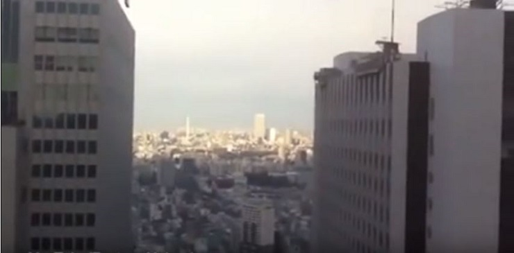 بالفيديو : أبراج تهتز بقوة بفعل هزة أرضية عنيفة في اليونان