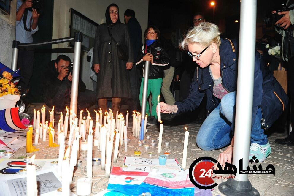 بالصور..رسالة تضامن من البيضاء مع ضحايا هجمات باريس