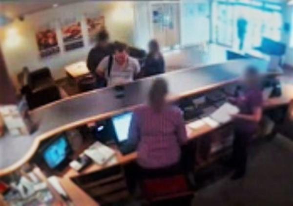 فيديو: واعد فتاة قاصر في الفندق فوجد الشرطة بانتظاره