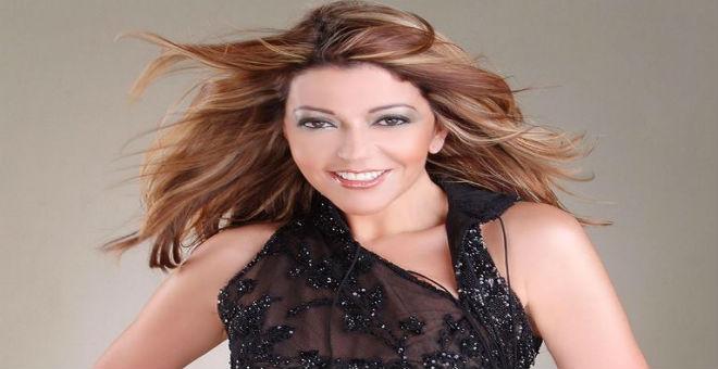 بالصورة.. سميرة سعيد تستمتع بثلوج إفران قبل حفلها في طنجة