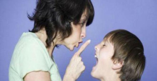 علامات تكشف إصابة طفلك بالكآبة