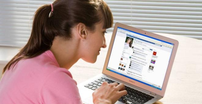 الناس أكثر سعادة من دون فيسبوك