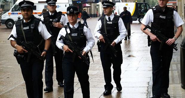 le-pistolet-tagueur-dadn-la-nouvelle-arme-de-la-police-anglaise-une