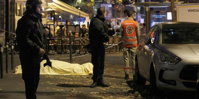 o-DEAD-PARIS-ATTACKS-facebook