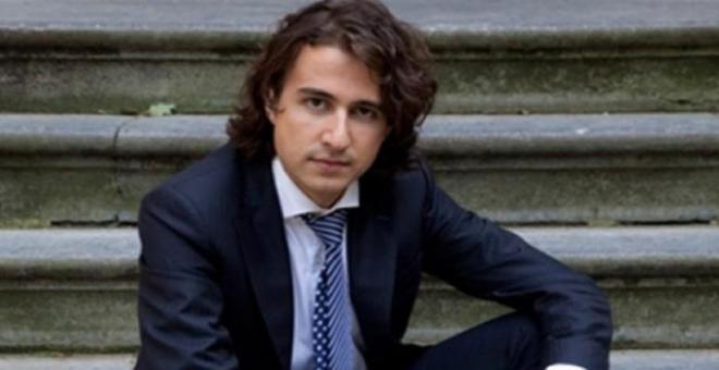 اختيار مغربي كأفضل سياسي شاب في هولندا لعام 2015
