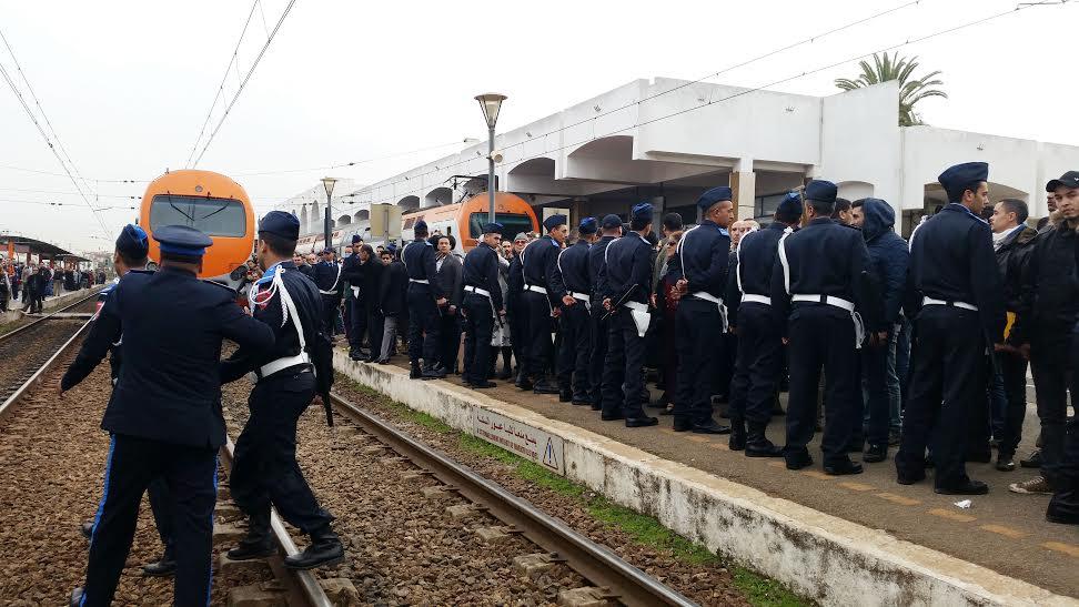 إنزال أمني لتفريق الغاضبين على تأخر القطار بالرباط (صور -فيديو)