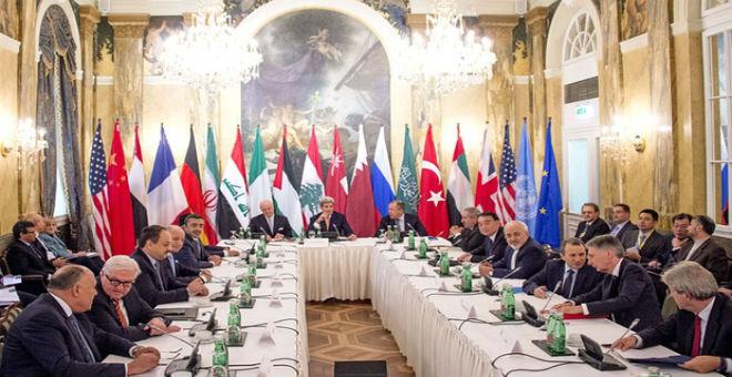 سوريا: النظام والمعارضة مدعوان للجلوس على طاولة المفاوضات في يناير