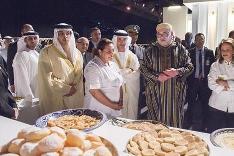 الملك محمد السادس يقيم مأدبة غذاء على شرف مغاربة الإمارات